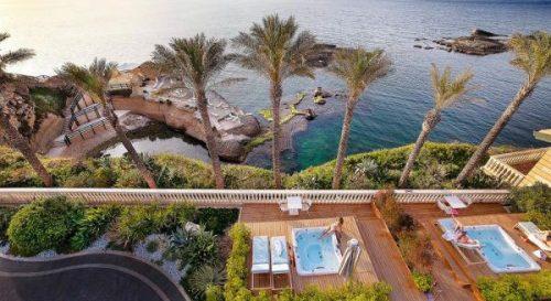 hotel con piscina en Italia