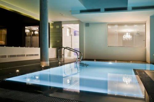 hotel con piscina privada en Zaragoza